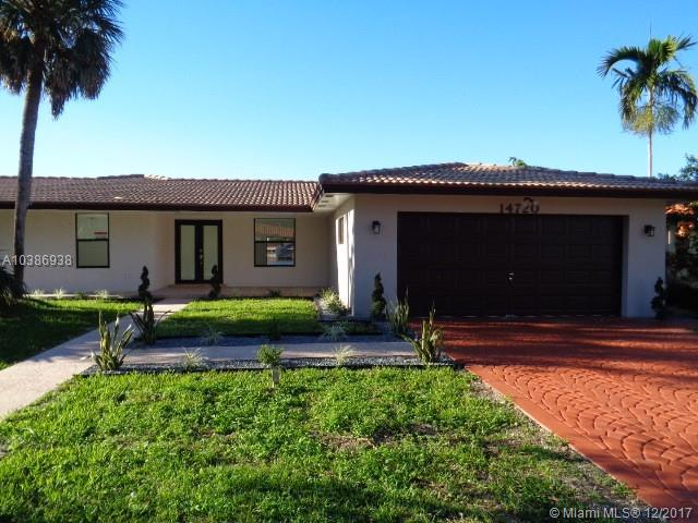 14720 Dade Pine Ave, Miami Lakes, FL 33014 (MLS #A10386938) :: The Teri Arbogast Team at Keller Williams Partners SW
