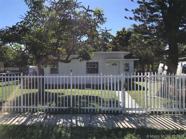 North Miami, FL 33167 :: The Chenore Real Estate Group