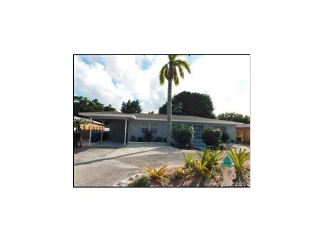2024 NE 26th St, Wilton Manors, FL 33305 (MLS #A10387055) :: Live Work Play Miami Group