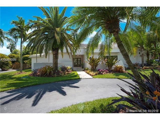 17125 SW 80th Ct, Palmetto Bay, FL 33157 (MLS #A10387276) :: The Erice Team