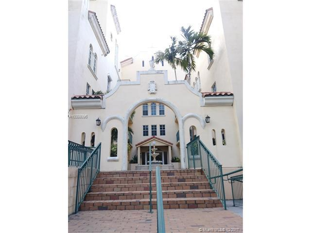 323 Navarre Ave #206, Coral Gables, FL 33134 (MLS #A10388095) :: The Erice Team