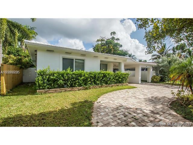 515 Fairway Dr, Miami Beach, FL 33141 (MLS #A10388335) :: The Erice Team