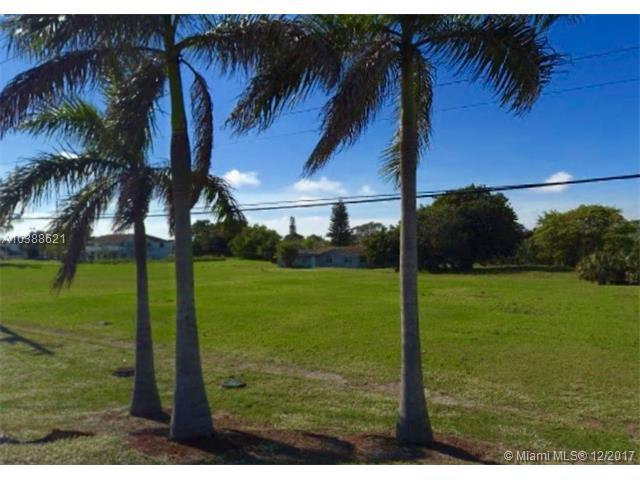 1665 NW 15th Ave, Pompano Beach, FL 33069 (MLS #A10388621) :: The Teri Arbogast Team at Keller Williams Partners SW