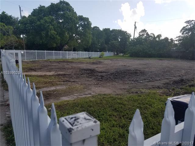 1240 N Biscayne Point Rd, Miami Beach, FL 33141 (MLS #A10389025) :: The Erice Team