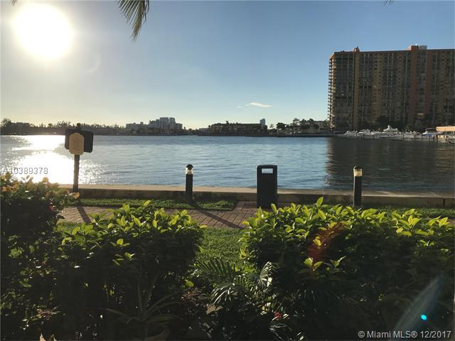 17150 N Bay Rd #2107, Sunny Isles Beach, FL 33160 (MLS #A10389378) :: The Teri Arbogast Team at Keller Williams Partners SW