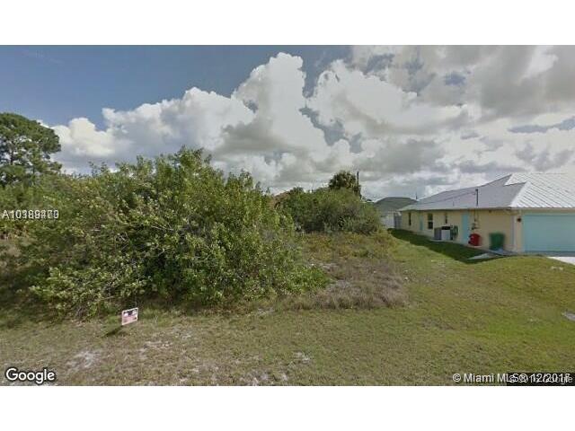 1761 SW Gloria Ln, Port St. Lucie, FL 34953 (MLS #A10389473) :: Stanley Rosen Group