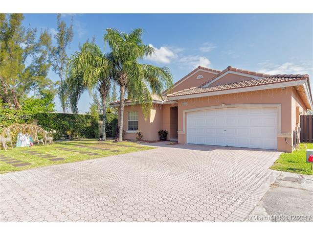1181 NW 127th Ct, Miami, FL 33182 (MLS #A10391267) :: The Teri Arbogast Team at Keller Williams Partners SW