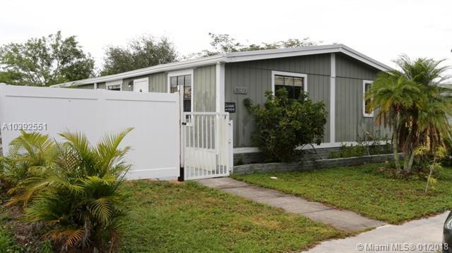 10423 S 228th Ln, Boca Raton, FL 33428 (MLS #A10392551) :: The Teri Arbogast Team at Keller Williams Partners SW