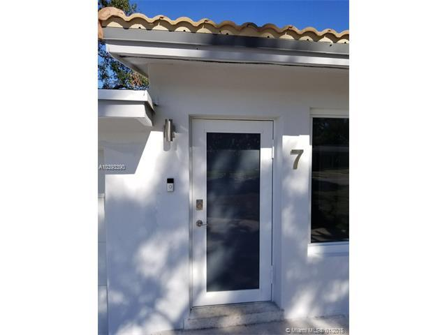 7 NE 26th Ct, Wilton Manors, FL 33334 (MLS #A10393390) :: Live Work Play Miami Group