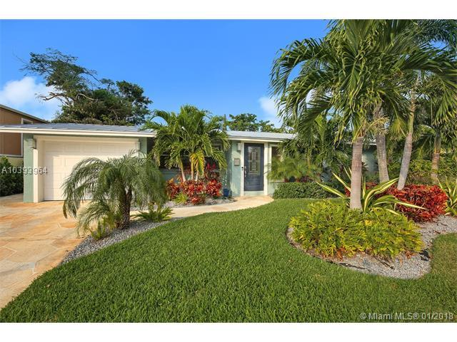 935 SE 4th Ct, Deerfield Beach, FL 33441 (MLS #A10393964) :: The Teri Arbogast Team at Keller Williams Partners SW