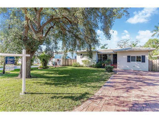 150 Apache St, Miami Springs, FL 33166 (MLS #A10394664) :: Stanley Rosen Group