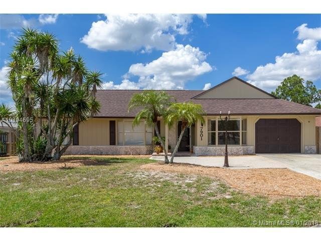 7901 Sebastian Rd, Fort Pierce, FL 34951 (MLS #A10394695) :: The Teri Arbogast Team at Keller Williams Partners SW