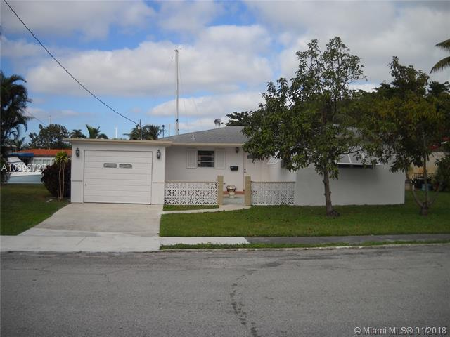 905 Guava Isle, Fort Lauderdale, FL 33315 (MLS #A10395727) :: The Teri Arbogast Team at Keller Williams Partners SW