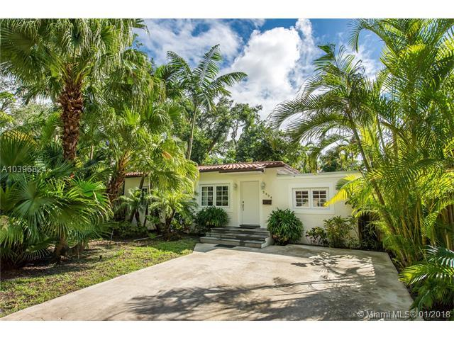 3994 Kumquat Ave, Coconut Grove, FL 33133 (MLS #A10396824) :: Live Work Play Miami Group