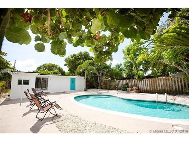 1029 NW 1st Ave, Fort Lauderdale, FL 33311 (MLS #A10397013) :: The Teri Arbogast Team at Keller Williams Partners SW