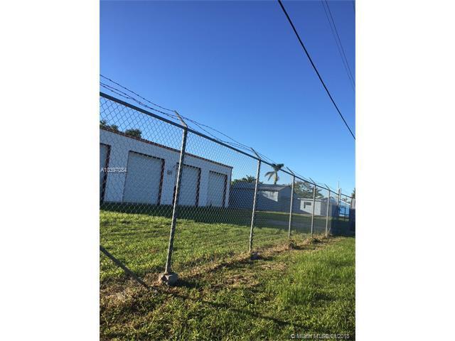 407 S Barfield Hwy 2, Pahokee, FL 33476 (MLS #A10397084) :: The Teri Arbogast Team at Keller Williams Partners SW