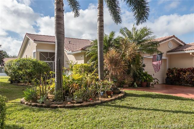 106 Sausalito Dr #106, Boynton Beach, FL 33436 (MLS #A10397708) :: The Teri Arbogast Team at Keller Williams Partners SW