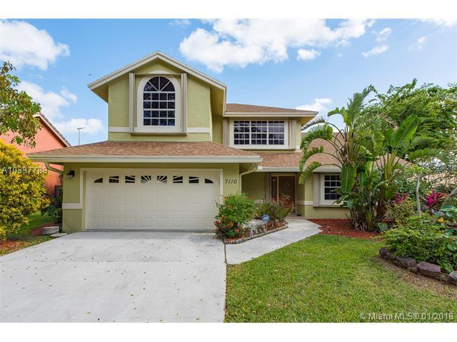 7110 NW 44th Ln, Coconut Creek, FL 33073 (MLS #A10397788) :: The Teri Arbogast Team at Keller Williams Partners SW