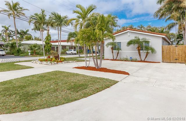 1111 N 15th Ave, Hollywood, FL 33020 (MLS #A10399250) :: The Teri Arbogast Team at Keller Williams Partners SW