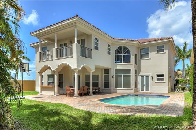 840 Beacon Ct, Hollywood, FL 33019 (MLS #A10399427) :: The Teri Arbogast Team at Keller Williams Partners SW