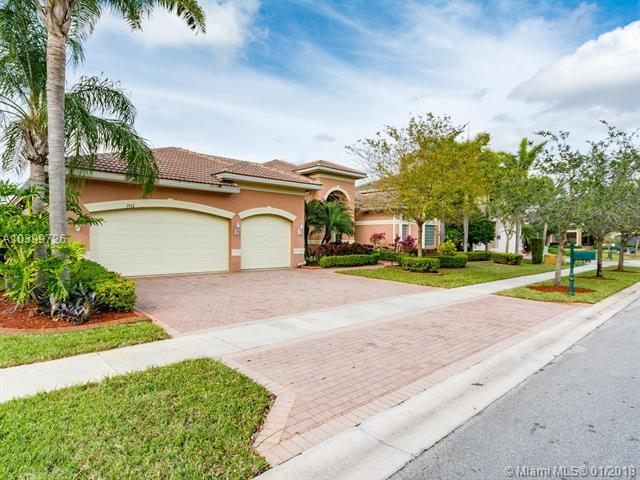 3942 SW 188th Ave, Miramar, FL 33029 (MLS #A10399726) :: The Teri Arbogast Team at Keller Williams Partners SW