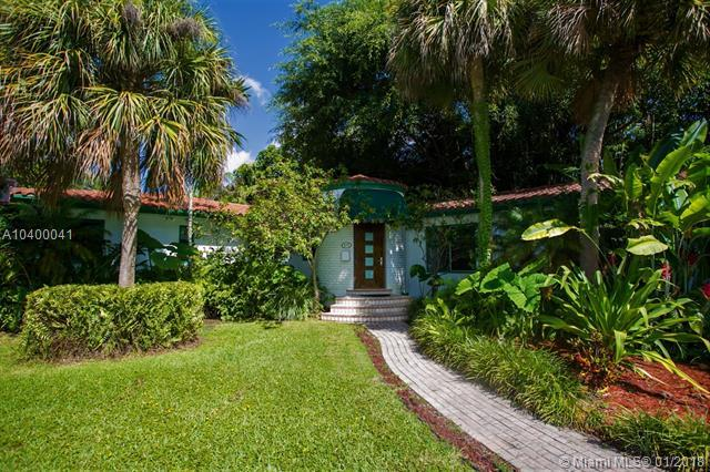 975 NE 94 ST, Miami Shores, FL 33138 (MLS #A10400041) :: Hergenrother Realty Group Miami