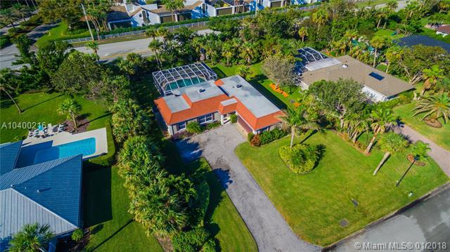 1015 Treasure Ln, Vero Beach, FL 32963 (MLS #A10400216) :: The Teri Arbogast Team at Keller Williams Partners SW