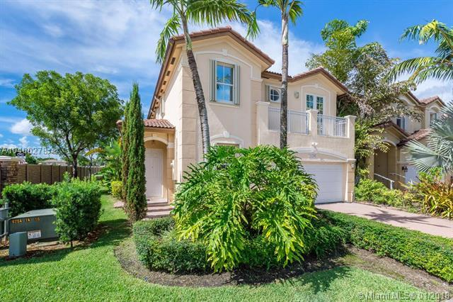11204 NW 75th Ln, Doral, FL 33178 (MLS #A10400278) :: The Teri Arbogast Team at Keller Williams Partners SW