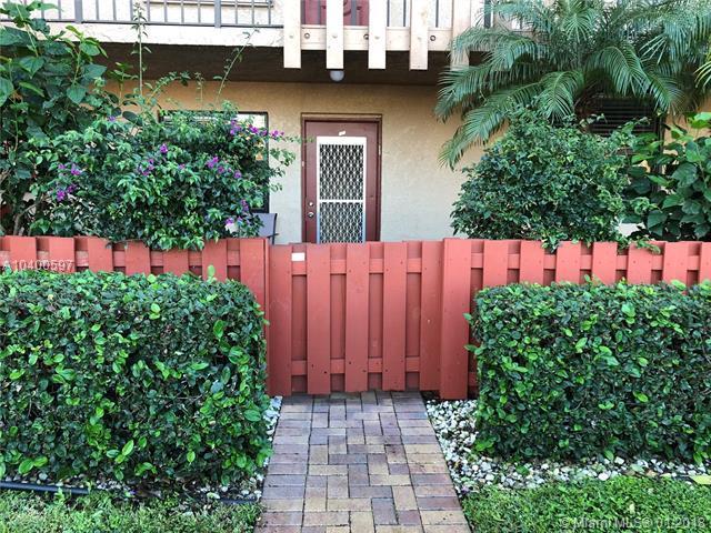 7220 Lake Circle Drive #106, Margate, FL 33063 (MLS #A10400597) :: Jamie Seneca & Associates Real Estate Team