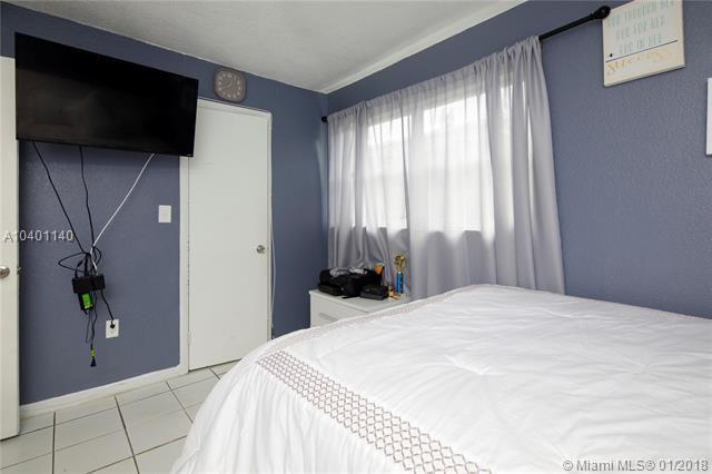748 82nd St, Miami Beach, FL 33141 (MLS #A10401140) :: Green Realty Properties