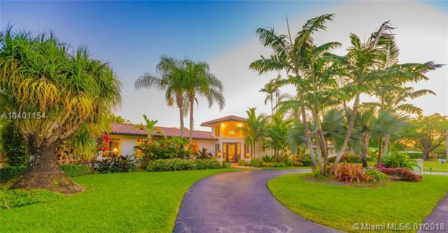 7640 SW 143rd St, Palmetto Bay, FL 33158 (MLS #A10401154) :: Carole Smith Real Estate Team