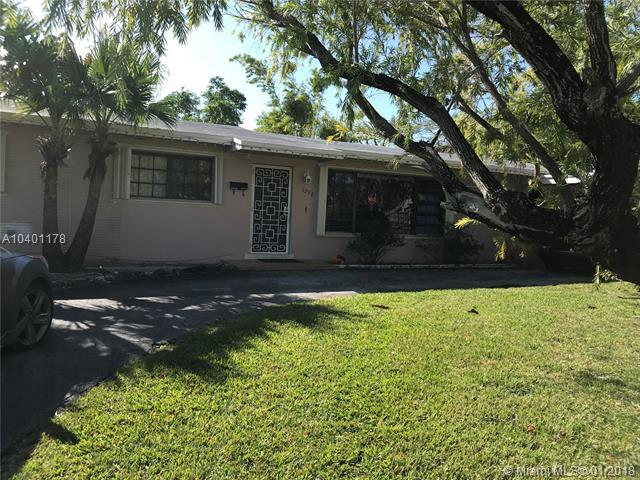 9298 SW 165th St, Palmetto Bay, FL 33157 (MLS #A10401178) :: Green Realty Properties