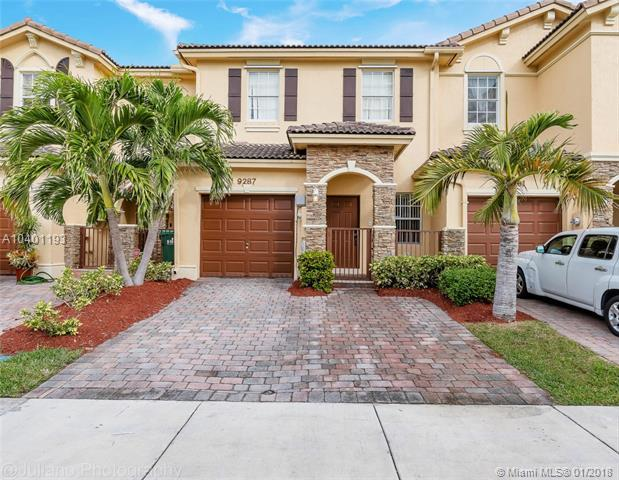 9287 SW 221st St, Cutler Bay, FL 33190 (MLS #A10401193) :: The Teri Arbogast Team at Keller Williams Partners SW