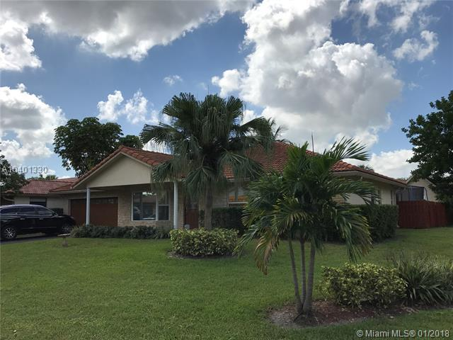 10680 NW 6th Court, Coral Springs, FL 33071 (MLS #A10401330) :: The Teri Arbogast Team at Keller Williams Partners SW