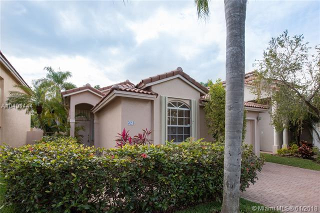 324 NW 107th Avenue, Pembroke Pines, FL 33026 (MLS #A10401444) :: Green Realty Properties