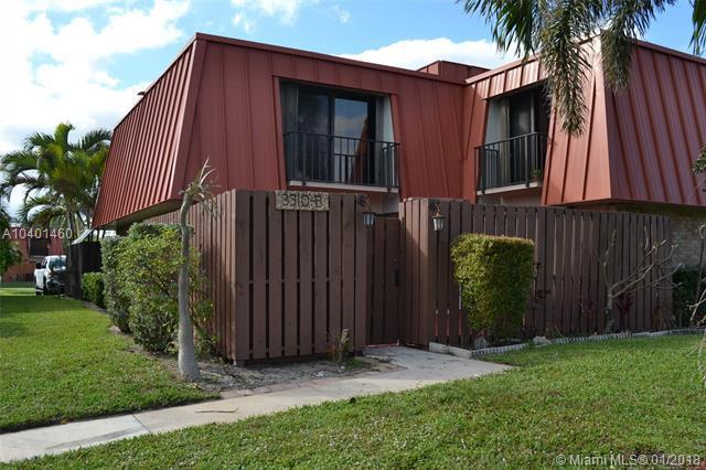 3310 S Meridian Way B, Palm Beach Gardens, FL 33410 (MLS #A10401460) :: The Teri Arbogast Team at Keller Williams Partners SW
