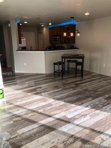 5961 Royal Way #5961, Tamarac, FL 33321 (MLS #A10401573) :: Jamie Seneca & Associates Real Estate Team