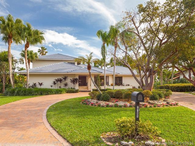 7185 E Lago Dr, Coral Gables, FL 33143 (MLS #A10401810) :: The Riley Smith Group