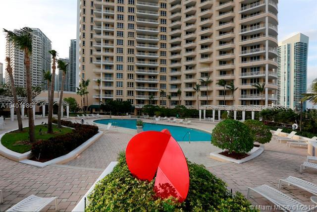 888 Brickell Key Dr #1907, Miami, FL 33131 (MLS #A10401986) :: The Teri Arbogast Team at Keller Williams Partners SW