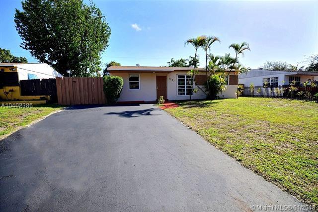3331 N 72nd Way, Hollywood, FL 33024 (MLS #A10402386) :: Green Realty Properties