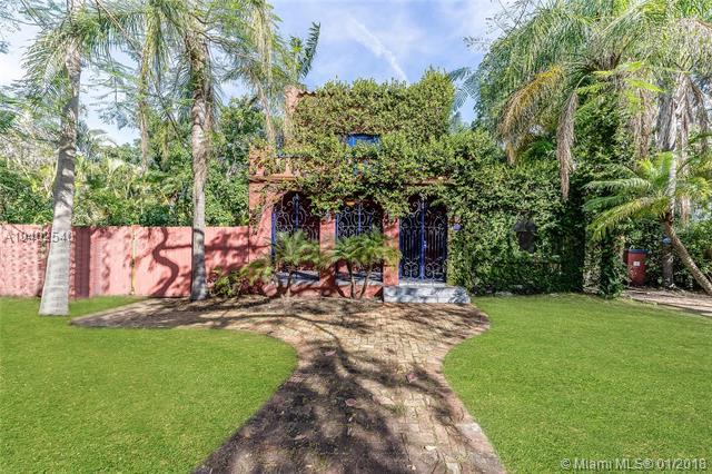 169 NE 43rd St, Miami, FL 33137 (MLS #A10402540) :: The Teri Arbogast Team at Keller Williams Partners SW
