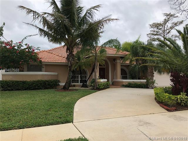 14418 Paddock Dr, Wellington, FL 33414 (MLS #A10402588) :: The Pearl Realty Group