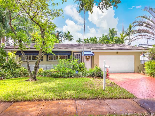 670 NE 97th St, Miami Shores, FL 33138 (MLS #A10402626) :: Hergenrother Realty Group Miami
