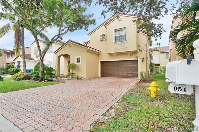 954 NW 126th Ave, Coral Springs, FL 33071 (MLS #A10402898) :: The Teri Arbogast Team at Keller Williams Partners SW