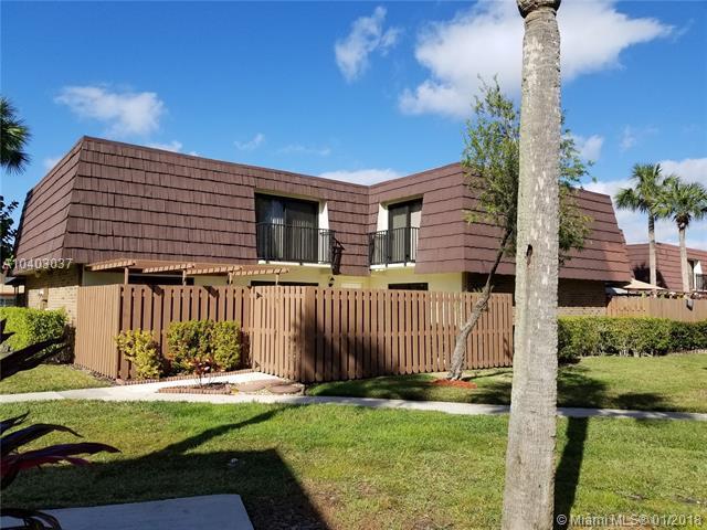 5923 NW 55th Ln, Tamarac, FL 33319 (MLS #A10403037) :: Jamie Seneca & Associates Real Estate Team