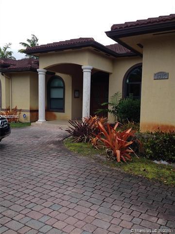 8317 SW 182nd Ter, Palmetto Bay, FL 33157 (MLS #A10403140) :: Carole Smith Real Estate Team