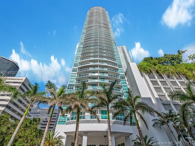 951 Brickell Ave #3905, Miami, FL 33131 (MLS #A10403216) :: The Riley Smith Group