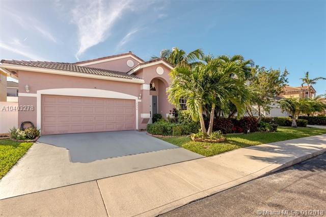 16234 NW 17th Ct, Pembroke Pines, FL 33028 (MLS #A10403278) :: Green Realty Properties