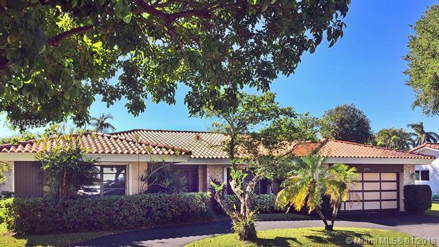 2050 NE 208th St, Miami, FL 33179 (MLS #A10403529) :: Carole Smith Real Estate Team