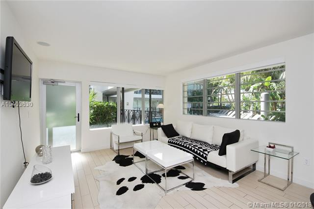 2135 Washington Ct Th1, Miami Beach, FL 33139 (MLS #A10403630) :: Prestige Realty Group